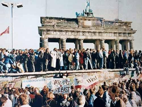 stiati_ca_zidul_berlinului