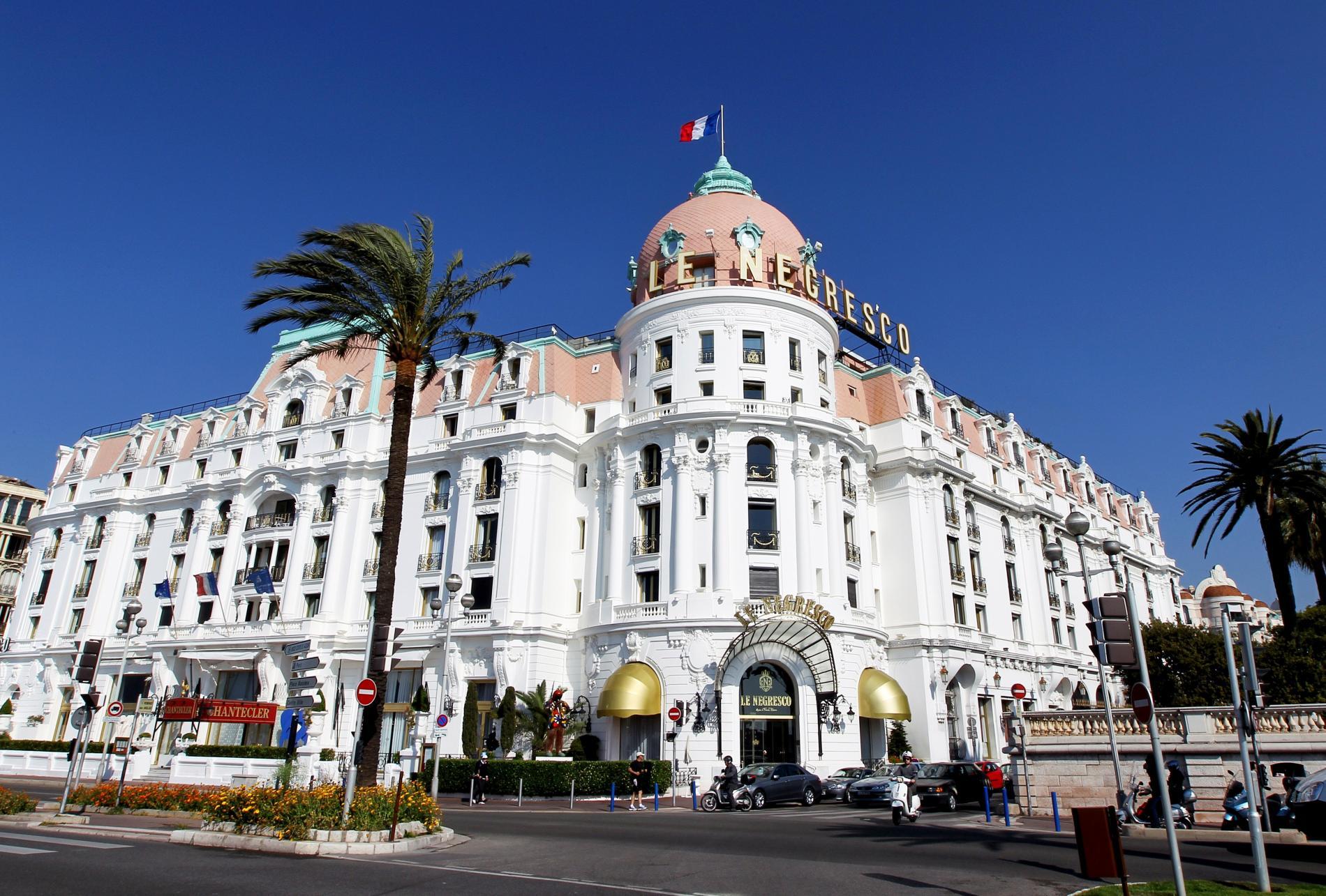 stiati_ca_hotel_negresco