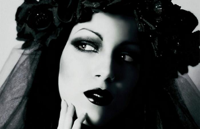 cel-mai-mare-criminal-in-serie-roman-vaduva-neagra-o-femeie-frumoasa-si-bogata_5_size6